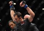 Luke Rockhold pede luta contra Anderson Silva:
