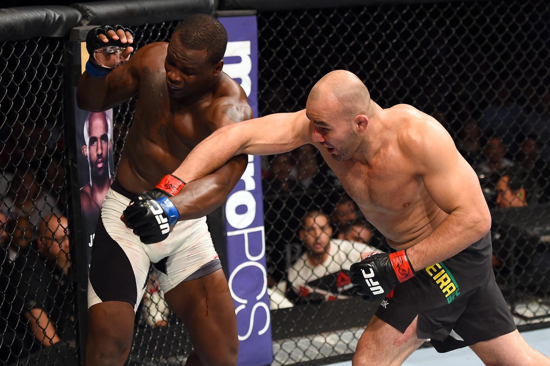 Glover Teixeira acerta soco em Ovince Saint Preux em vitória no UFC Ficht Night