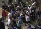 Atletas de Corinthians e Orlândia iniciam confusão generalizada no futsal - Reprodução/Sportv