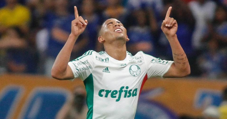 Gabriel Jesus comemora o seu gol contra o Cruzeiro, pela Copa do Brasil