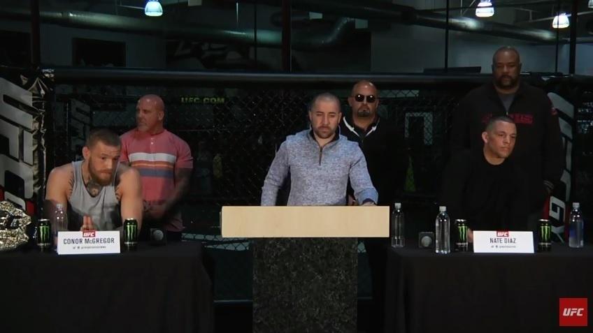 Conor McGregor e Nate Diaz trocaram diversas provocações durante coletiva de imprensa promovida pelo UFC