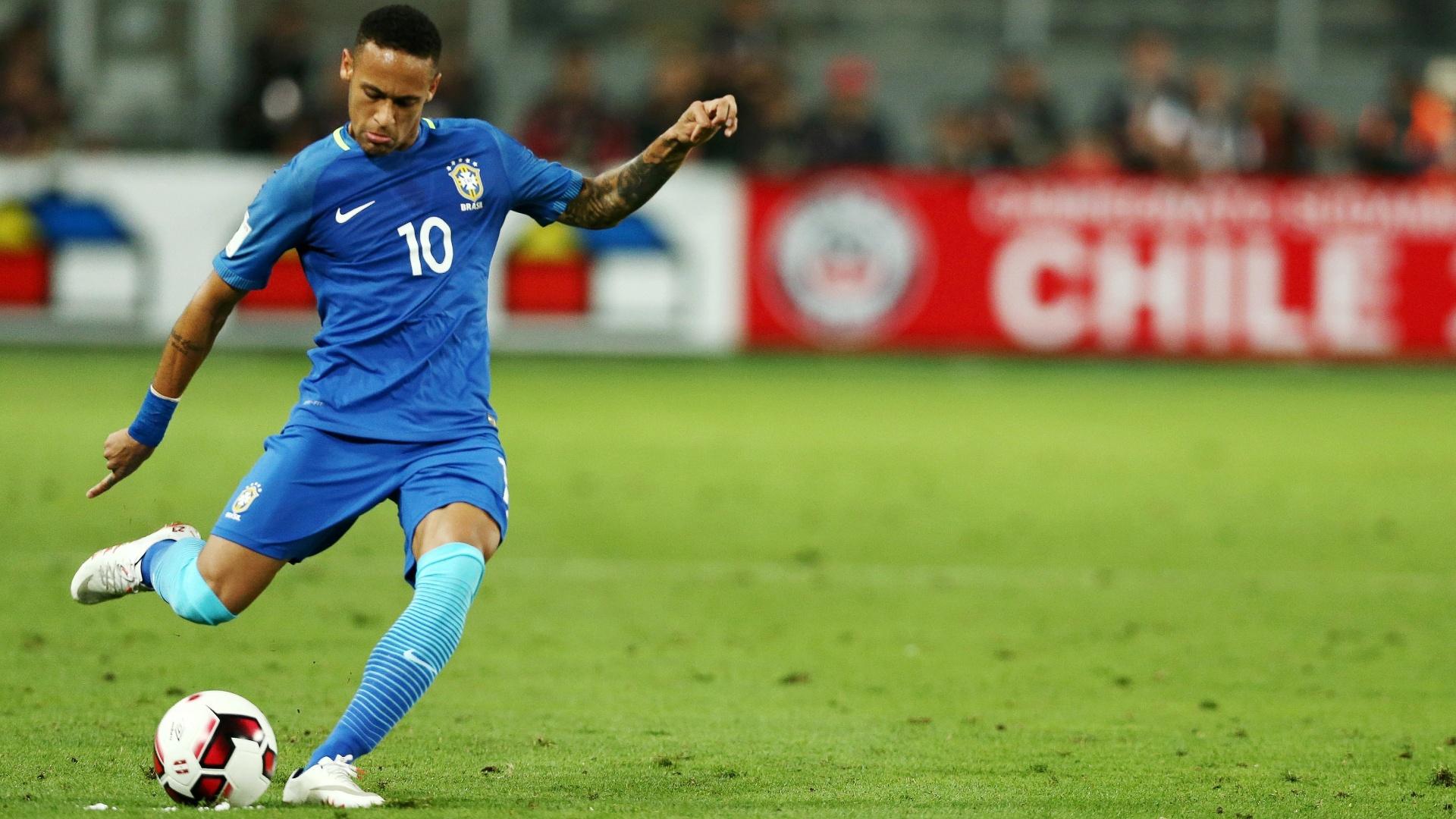 Neymar arma jogada para a seleção brasileira