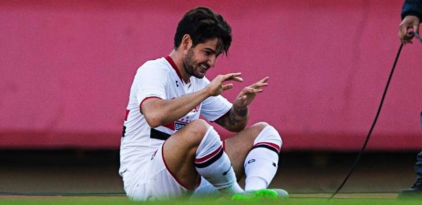 Tottenham pediu informações sobre Pato, mas não apresentou proposta