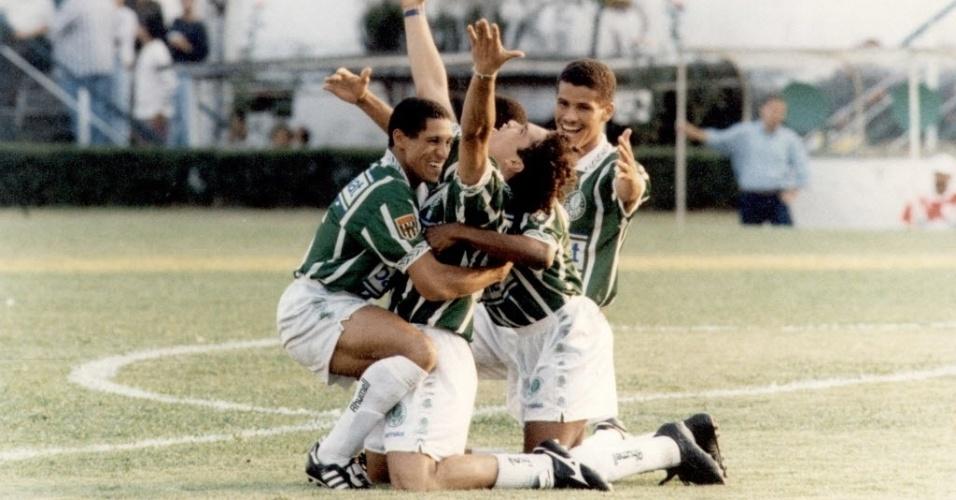 Naquele mesmo ano, o meião branco foi mantido no Brasileiro de 1994