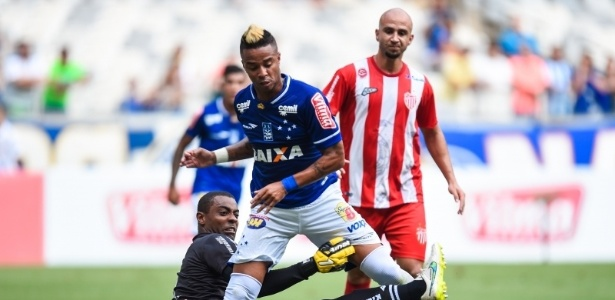 Rafael Silva marcou o segundo gol do Cruzeiro no jogo