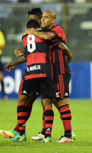 Emerson Sheik marca para o Flamengo contra o Palestino