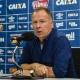 Mano minimiza erros de Ábila e críticas a zagueiro em revés do Cruzeiro