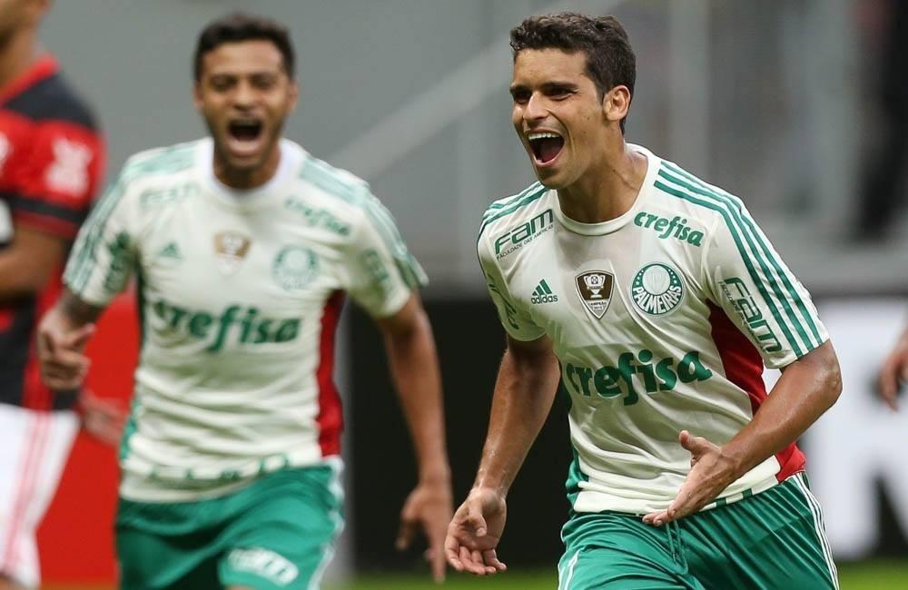 Jean comemora gol do Palmeiras em jogo contra o Flamengo