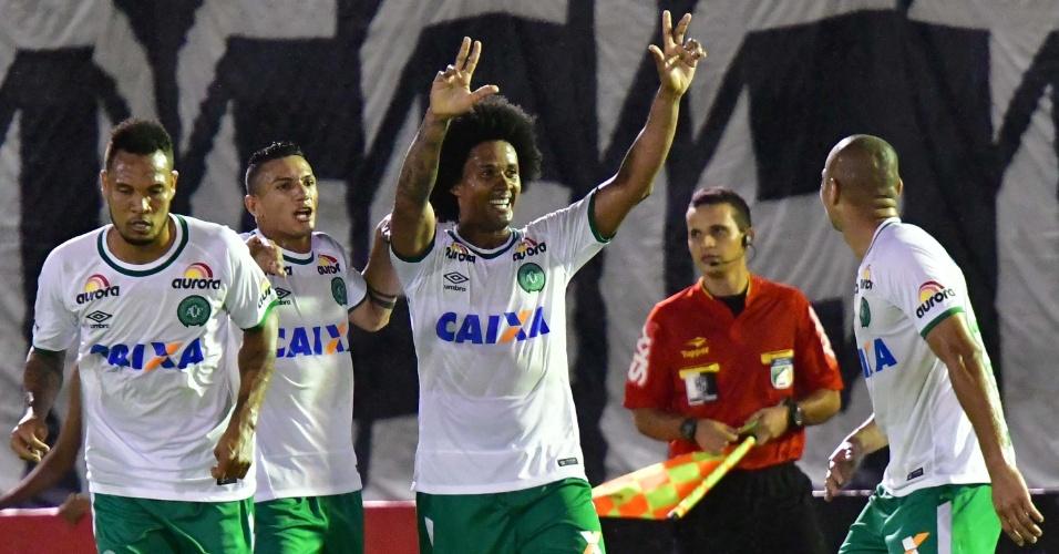 Kempes marca para a Chapecoense contra o Botafogo