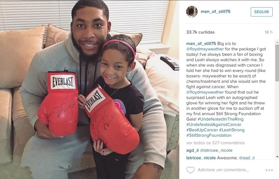 Devon Still com a filha, que luta contra o câncer
