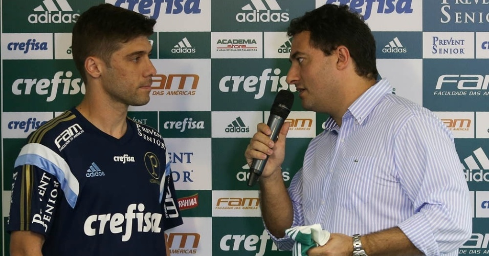 Fellype Gabriel é apresentado por Alexandre Mattos no Palmeiras