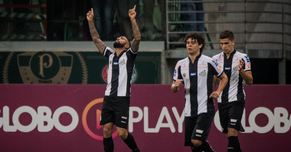 Gabigol comemora gol do Santos diante do Palmeiras em clássico no Allianz Parque