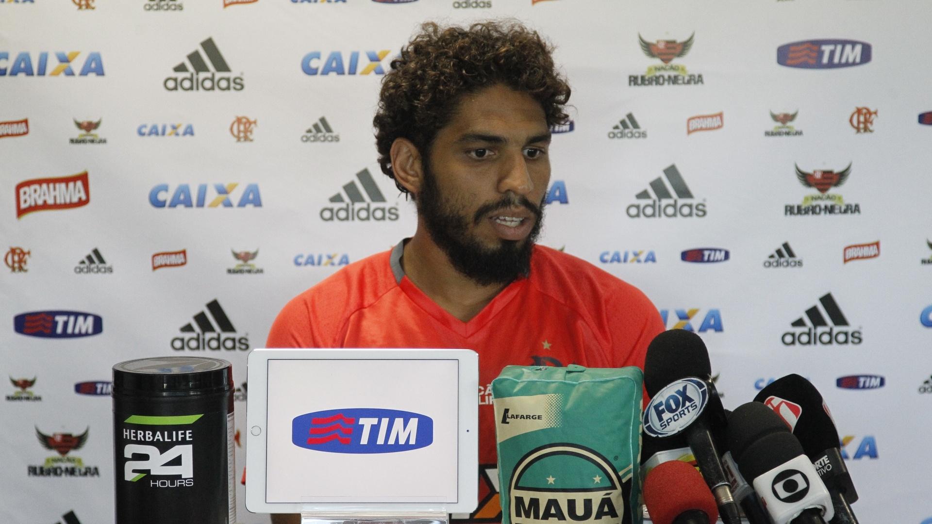 O zagueiro Wallace quebrou o silêncio e falou sobre o momento delicado no Flamengo