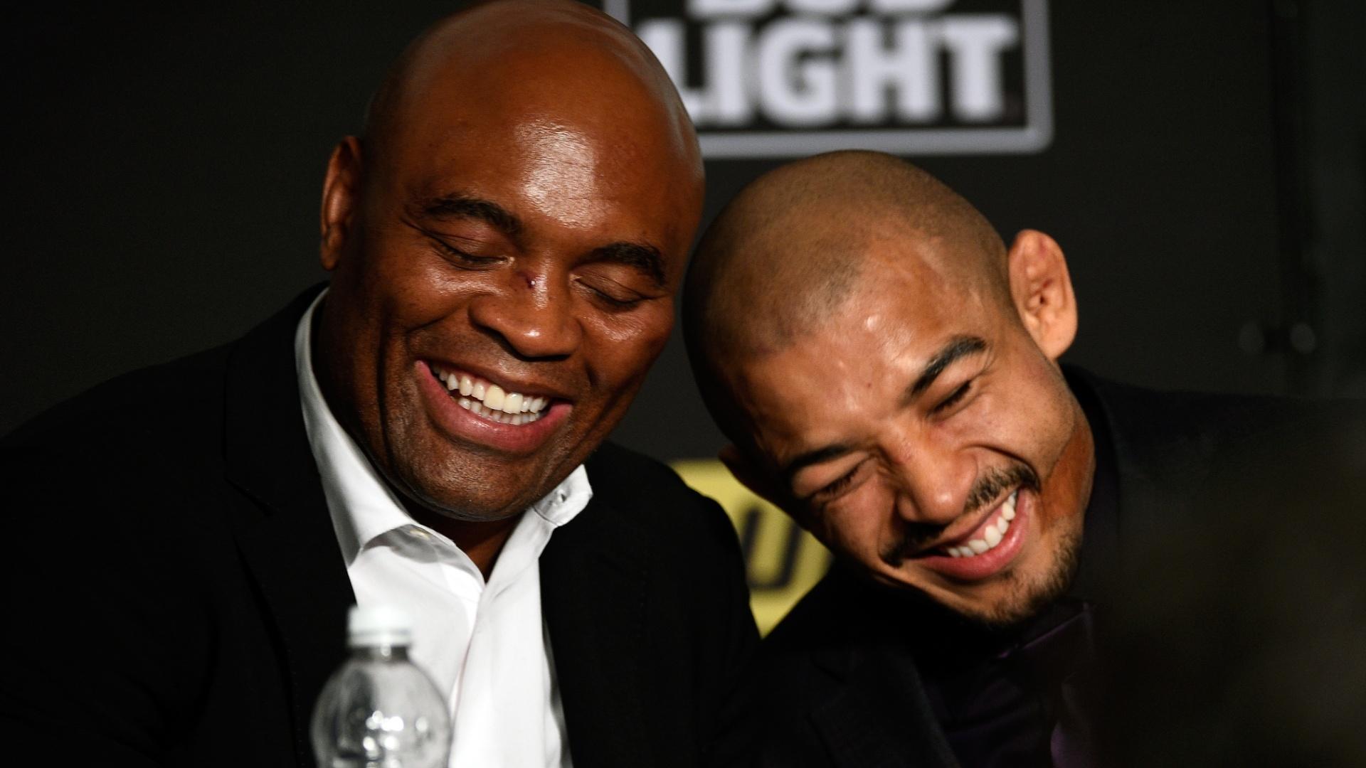 Anderson Silva e José Aldo no UFC 200