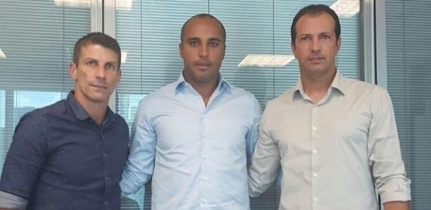 Deivid assina com o Cruzeiro e vai trabalhar ao lado de Pedrinho e Alexandre Lopes