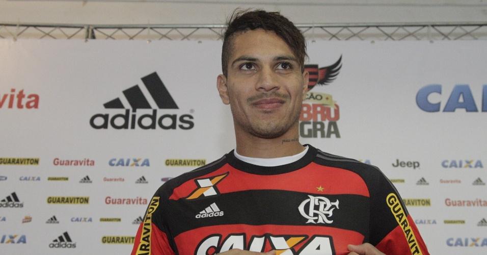 Guerrero é apresentado como jogador do Flamengo e admite pressa para estrear em meio à má fase da equipe no Brasileiro