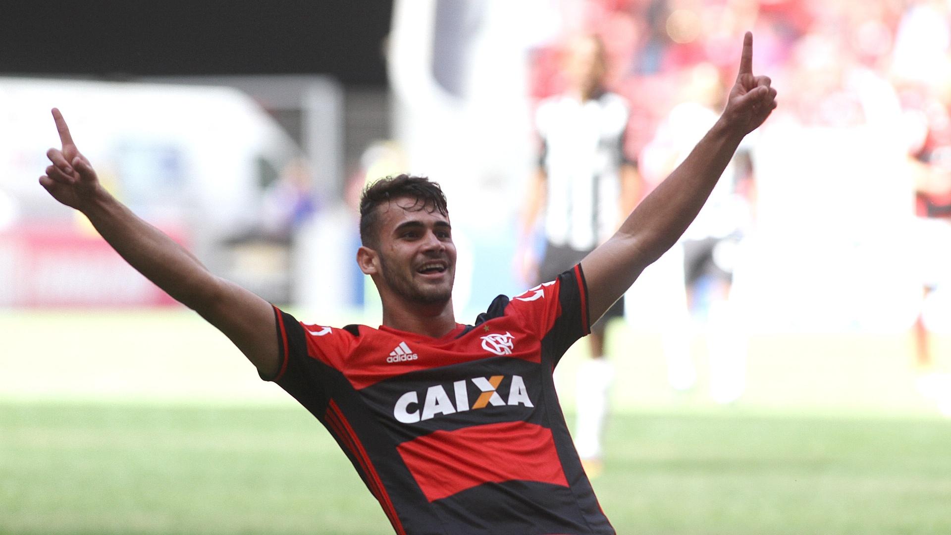 Felipe Vizeu fez dois gols na vitória do Flamengo sobre o Atlético-MG em Brasília