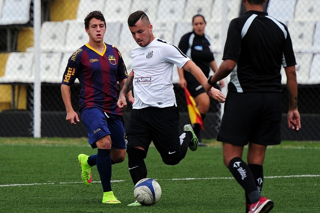 Jean Chera jogou apenas 20 minutos, marcou dois gols e deu duas assistências