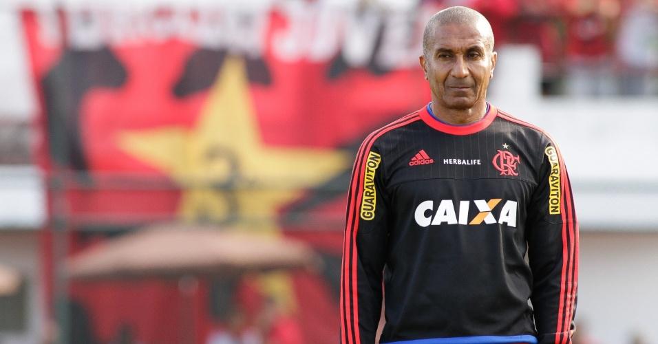 O técnico Cristóvão Borges vive momento delicado no comando do Flamengo