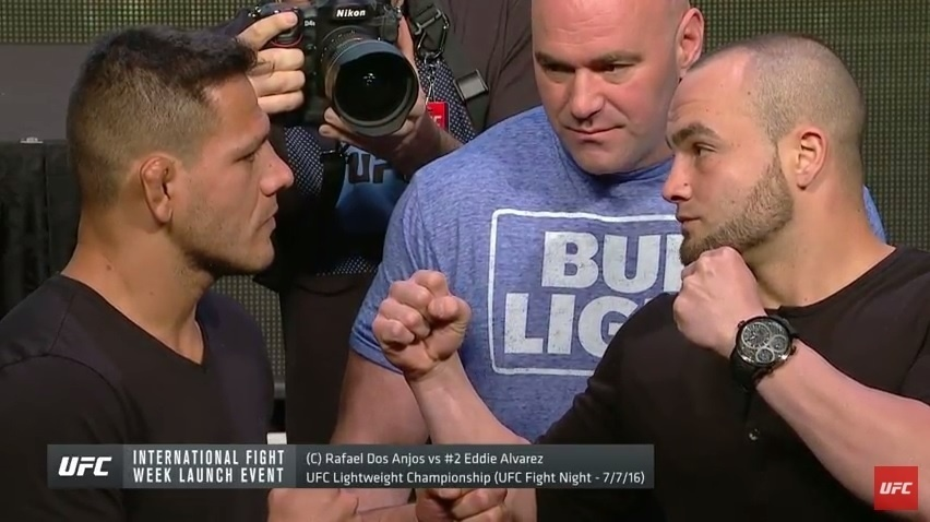 Rafael dos Anjos encara Eddie Alvarez em coletiva do UFC 200