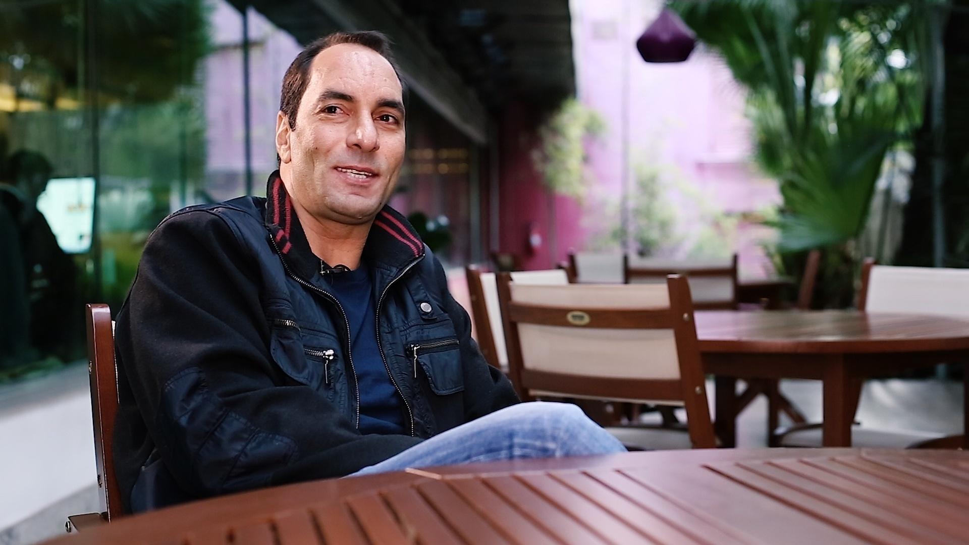 Edmundo ri em entrevista exclusiva ao UOL