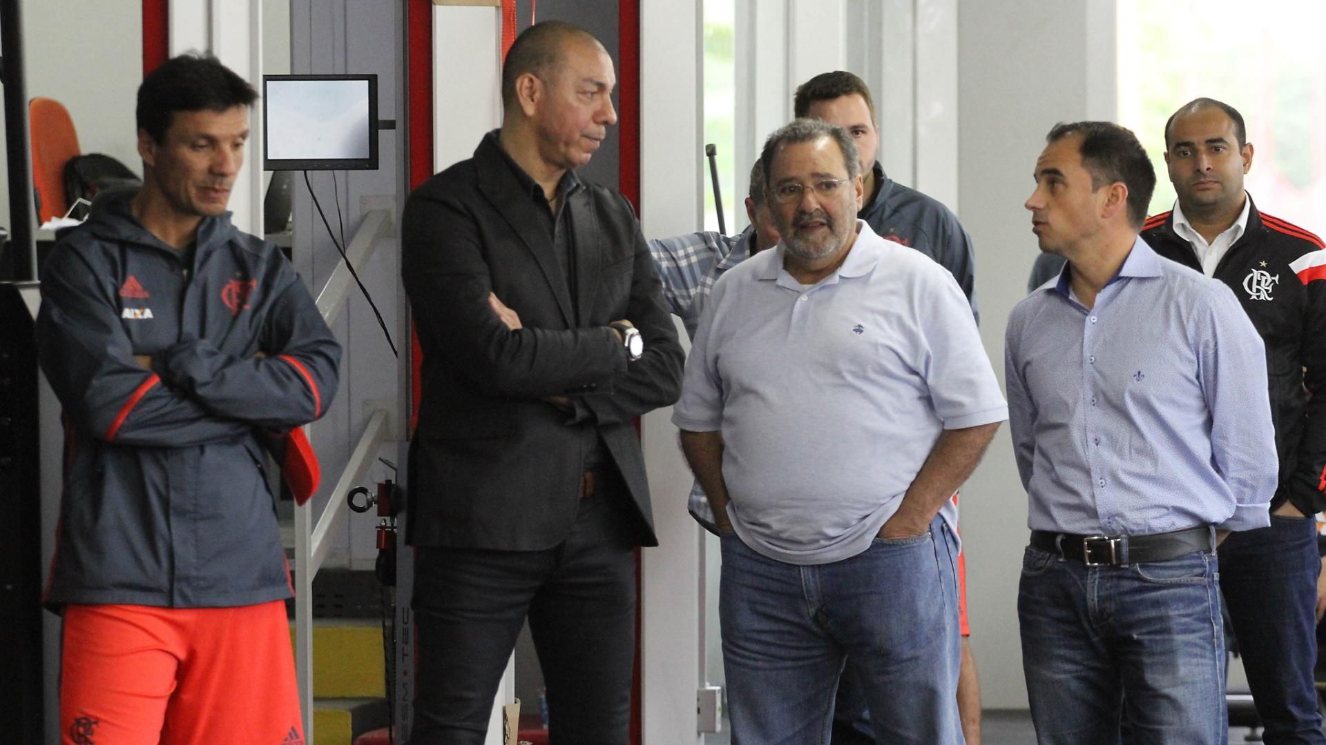 Mozer foi apresentado aos jogadores pelos diretores Fred Luz e Rodrigo Caetano