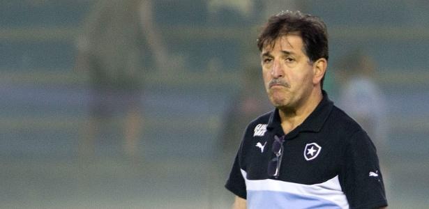 Técnico Renê Simões foi demitido do Botafogo após 38 jogos no comando do time carioca