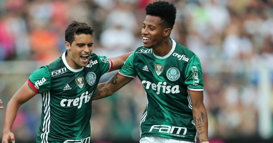 Jean comemora após abrir o placar para o Palmeiras contra o Figueirense