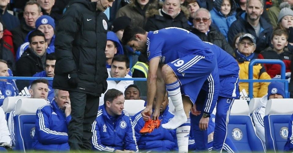 Diego Costa começou entre os titulares na partida do Chelsea contra o Everton