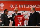 Falcão se diz 'feliz pela circunstância' e pede carinho à torcida do Inter