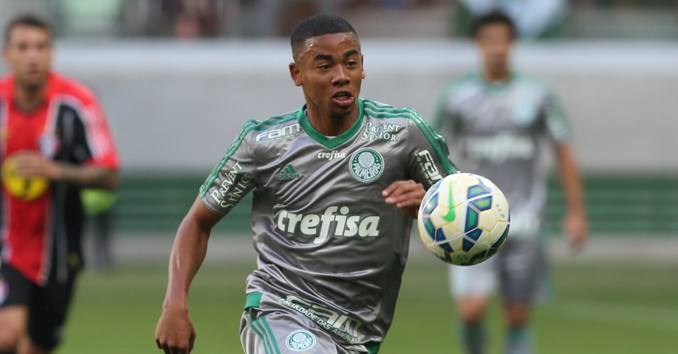 O atacante Gabriel Jesus em ação contra o Joinville