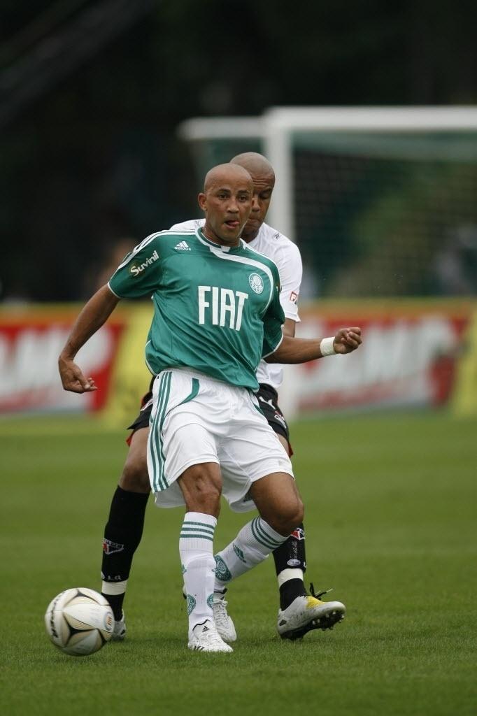 Palmeiras foi campeão do Paulistão de 2008 após vencer a Ponte Preta por 5 a 0