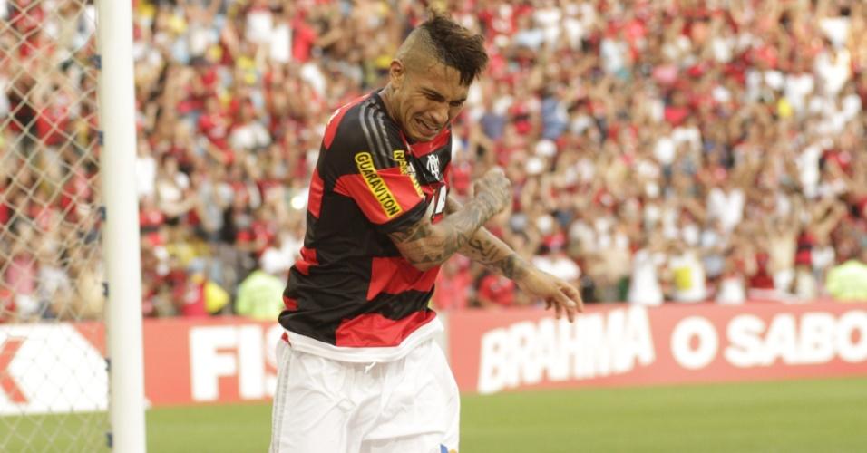 Guerrero se emociona ao marcar o gol da vitória do Flamengo sobre o São Paulo