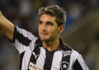 Botafogo goleia Atlético-GO e retoma liderança com show de uruguaio