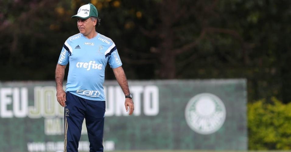 Marcelo Oliveira em ação durante treinamento, na Academia de Futebol do Palmeiras