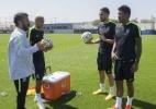 Neymar, Renato Augusto e Paulinho já treinam com a seleção brasileira