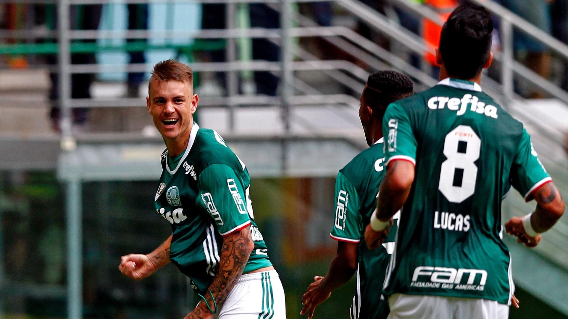 Róger Guedes abre o placar para o Palmeiras contra o Atlético-PR pelo Campeonato Brasileiro