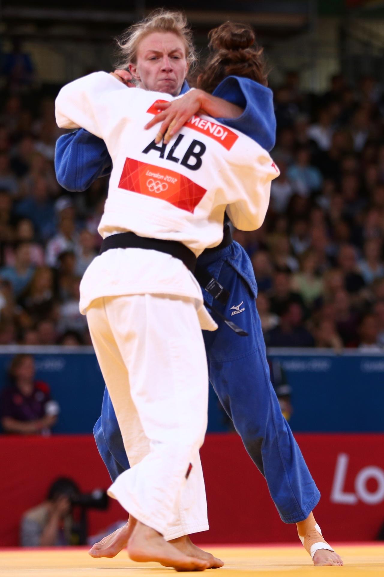 Majlinda Kelmendi, do Kosovo, compete pela Albânia nos Jogos Olímpicos de Londres-2012