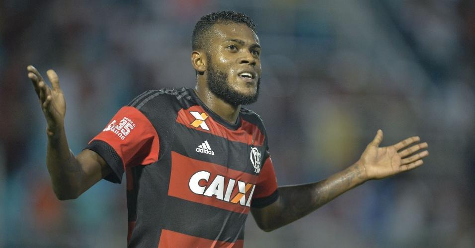 Marcelo Cirino comemora gol contra o Confiança, pela Copa do Brasil
