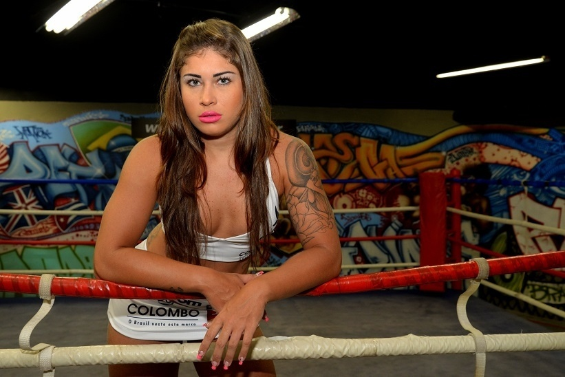 Gari Gata será ring girl do Jungle Fight 83