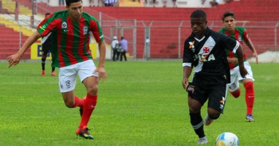 Meia Robinho, do Vasco da Gama, em jogo contra o Guaicurus (MS) pela Copa São Paulo 2016