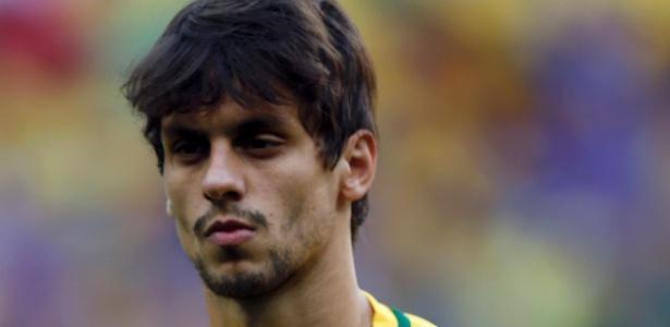 Segundo o jornal catalão Sport, Rodrigo Caio tem características para jogar no Barça