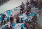Torcida do Corinthians entra em confronto com policiais no Maracanã
