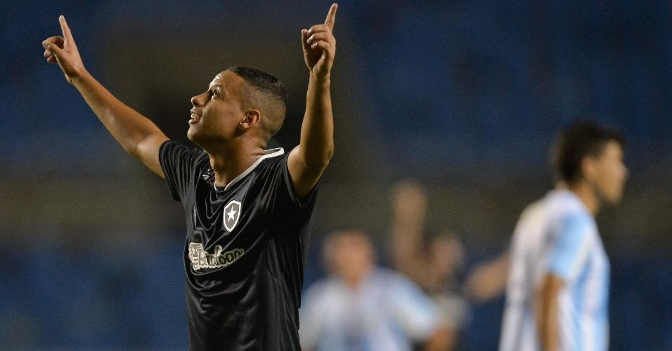 Fernandes comemora após marcar para o Botafogo contra o Macaé pela Série B
