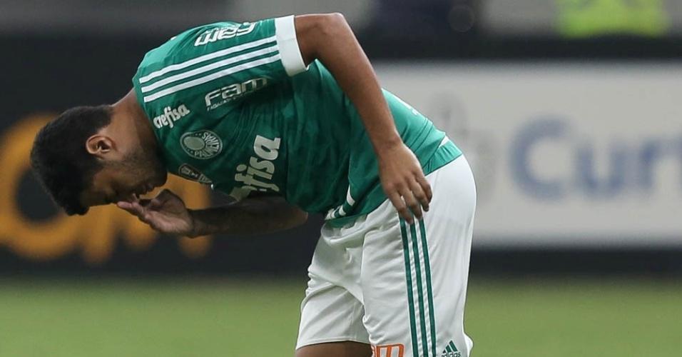 Cleiton Xavier entra em campo depois de quase oito meses sem atuar pelo Palmeiras