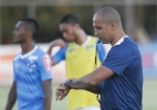 Interino comanda Cruzeiro diante da Ponte Preta sem saber destino no clube