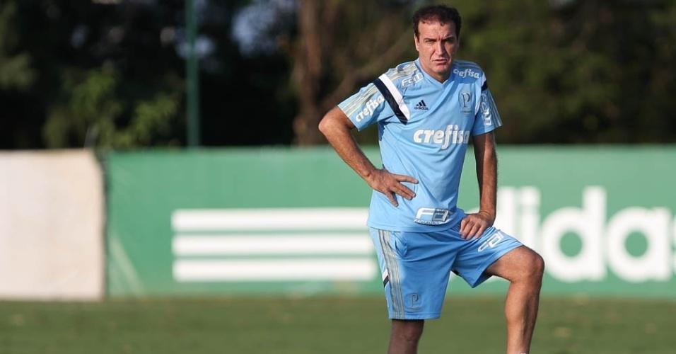 Cuca observa treino do Palmeiras na Academia de Futebol