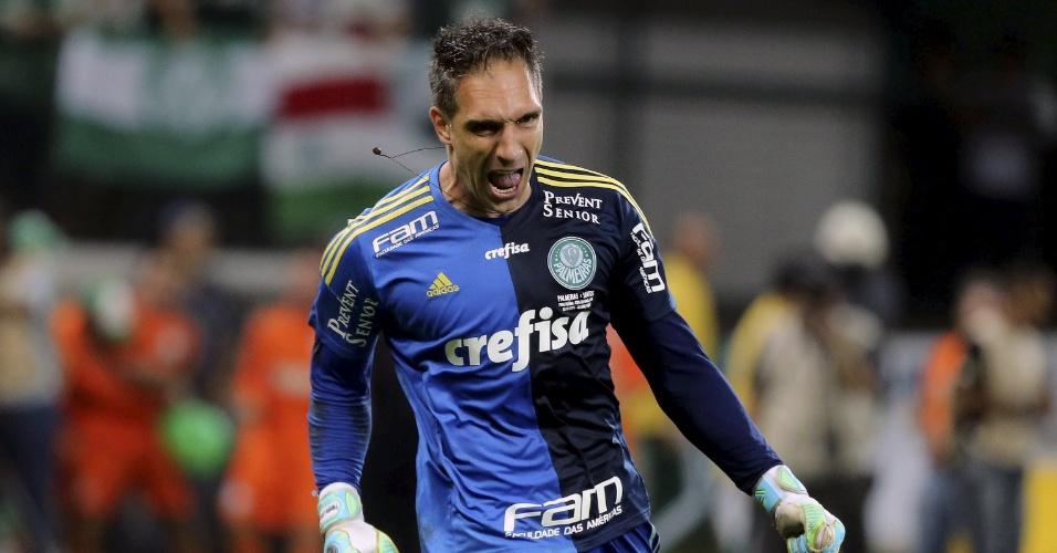 Fernando Prass comemora pênalti defendido na decisão