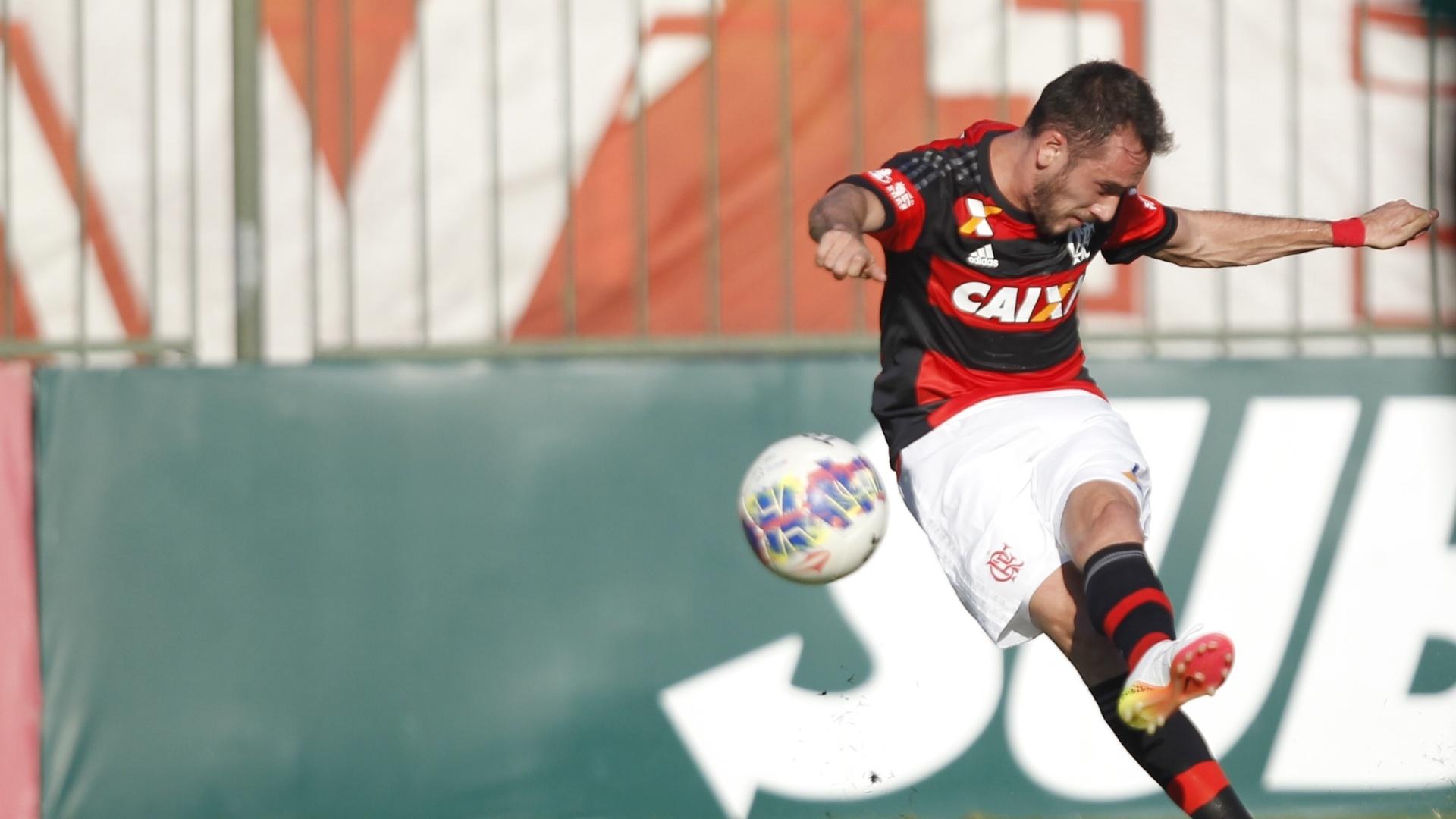 Mancuello cobra falta com categoria e marca o primeiro gol com a camisa do Flamengo
