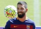 Seis meses após contratação, dupla finalmente poderá estrear pelo Barcelona
